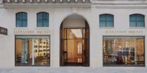 Магазин Alexander McQueen в Париже